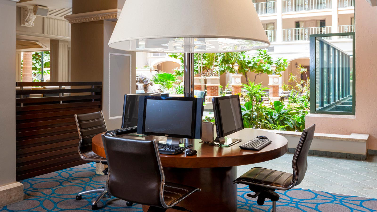 Sheraton Suites Fort Lauderdale at Cypress Creek - Link@Sheraton