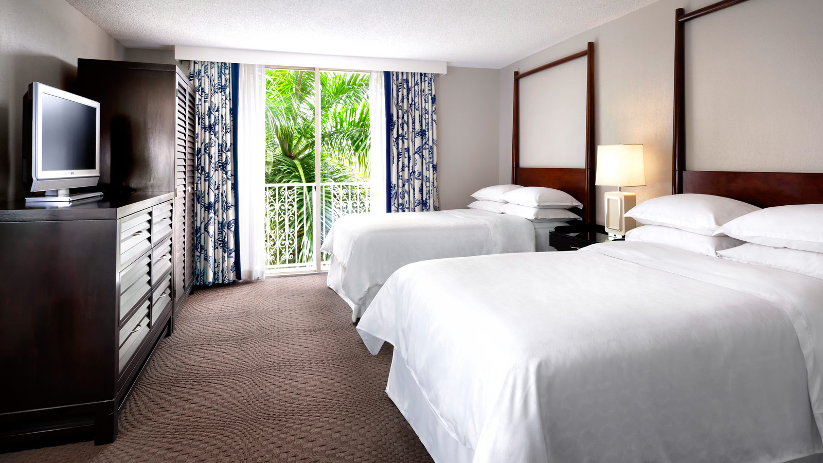 Fort Lauderdale Accommodations | Sheraton Suites Fort Lauderdale at ...