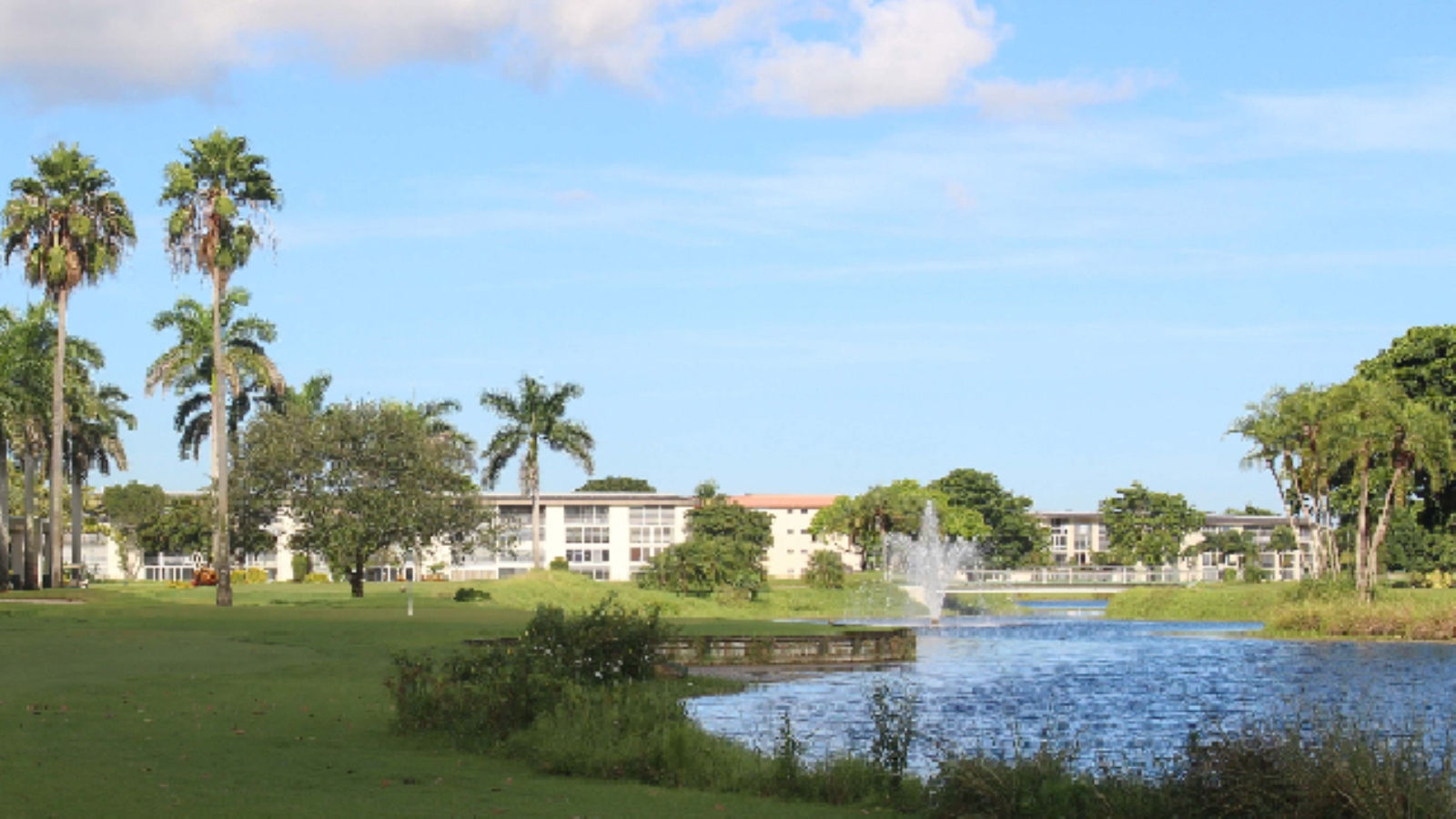 Sheraton Suites Fort Lauderdale at Cypress Creek - Wynmoor Golf Course